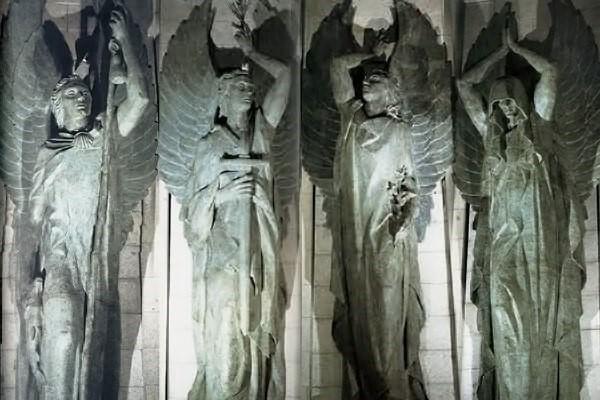 Photo of La muerte golpeará con su miedo a aquel que turbe el reposo del Caudillo (la venganza de los ángeles custodios)