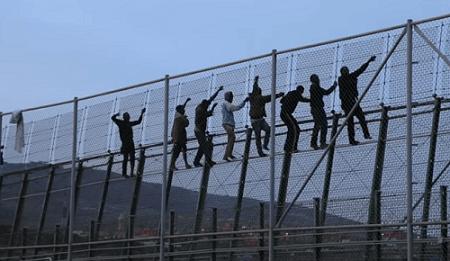 Photo of El gobierno eliminará las concertinas y la tercera valla de Melilla