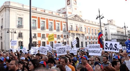 Photo of Manos extrañas sacrifican a los venezolanos