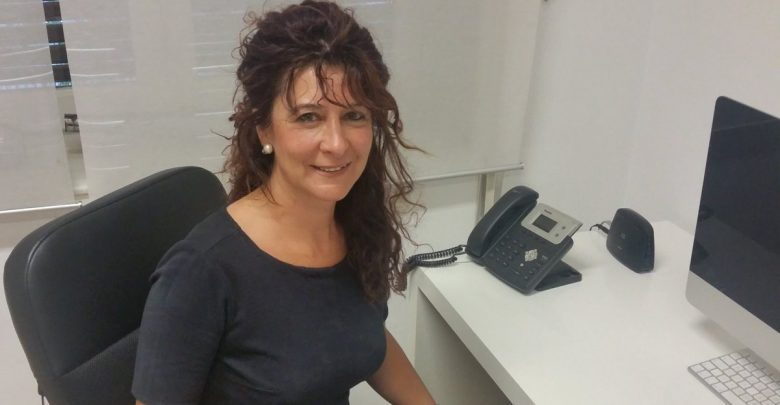 Photo of «Ayer fueron a por mí, hoy van a por ella». Sobre el acoso a la profesora de VOX en un centro de Málaga