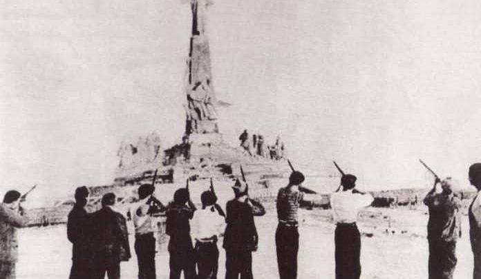 Photo of La verdadera memoria histórica: «¡Ya cayó el barbudo!», o la destrucción del Cerro de los Ángeles