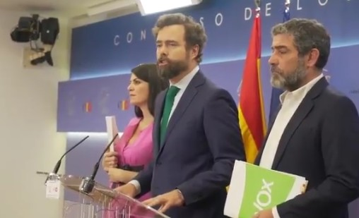 Photo of VOX rompe con el PP y renuncia a cargos en Madrid