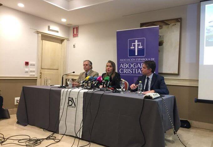 Photo of El Tribunal de Estrasburgo admite a trámite la demanda de Abogados Cristianos, contra el reino de España, por vulnerar el Convenio Europeo de Derechos Humanos tras archivar un caso de profanación de Formas Consagradas