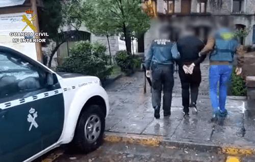 Photo of Detenidos 2 varones acusados de abusar sexualmente de varias menores de edad