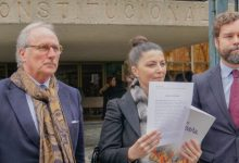 Photo of VOX recurre al TC los acatamientos de los 29 diputados que conjuraron contra la Constitución