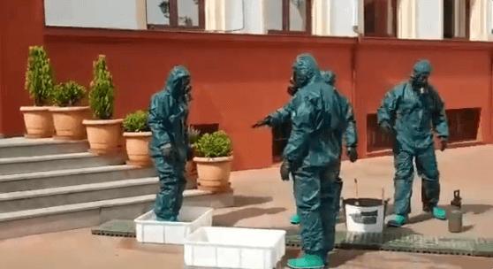 Photo of ¡Dimisiones YA!: el Ejército encuentra ancianos muertos en las residencias