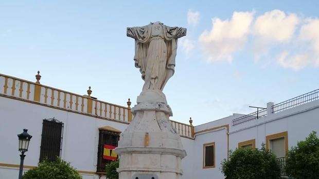 Photo of Denuncian el ataque al Sagrado Corazón de La Roda (Sevilla)