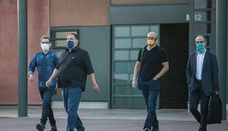Photo of Los golpistas catalanes salen de prisión, pero no les parece «la libertad»