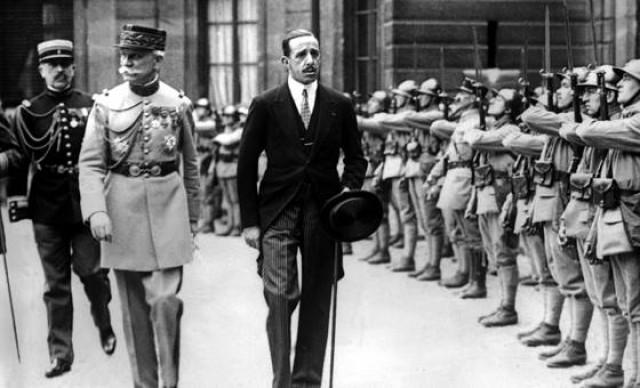 Photo of ¿Por qué se fue Alfonso XIII y nos trajo la República bolchevique?