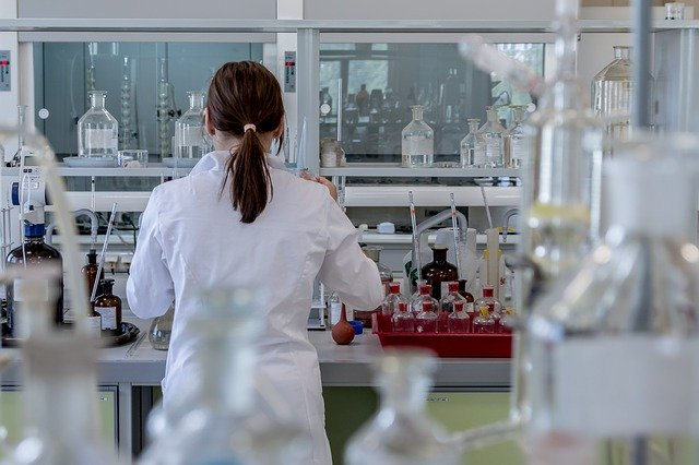 Photo of España adquiere la vacuna de Oxford contra la COVID-19