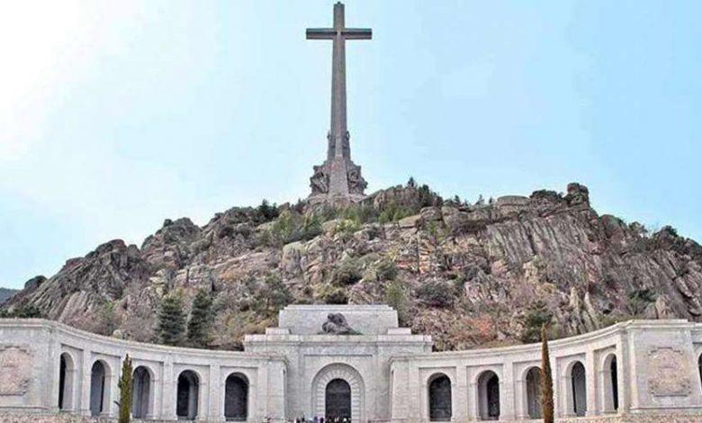 Photo of Lanzan llamamiento internacional para salvar la cruz del Valle de los Caídos