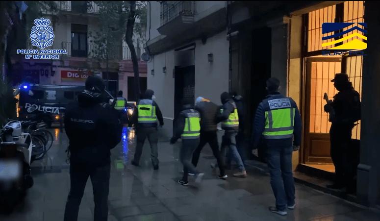 Photo of La Policía Nacional detiene en Barcelona a un retornado de DAESH