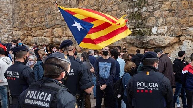 Photo of VOX se querella contra el consejero de Interior de Cataluña