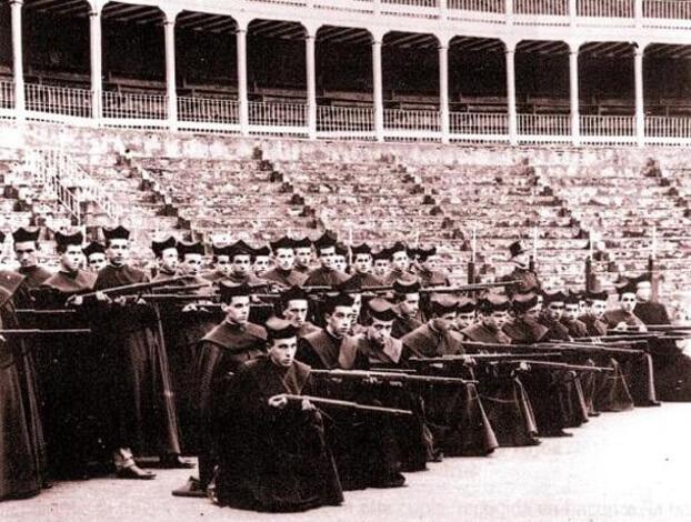 Photo of El mito de los curas disparando desde los campanarios
